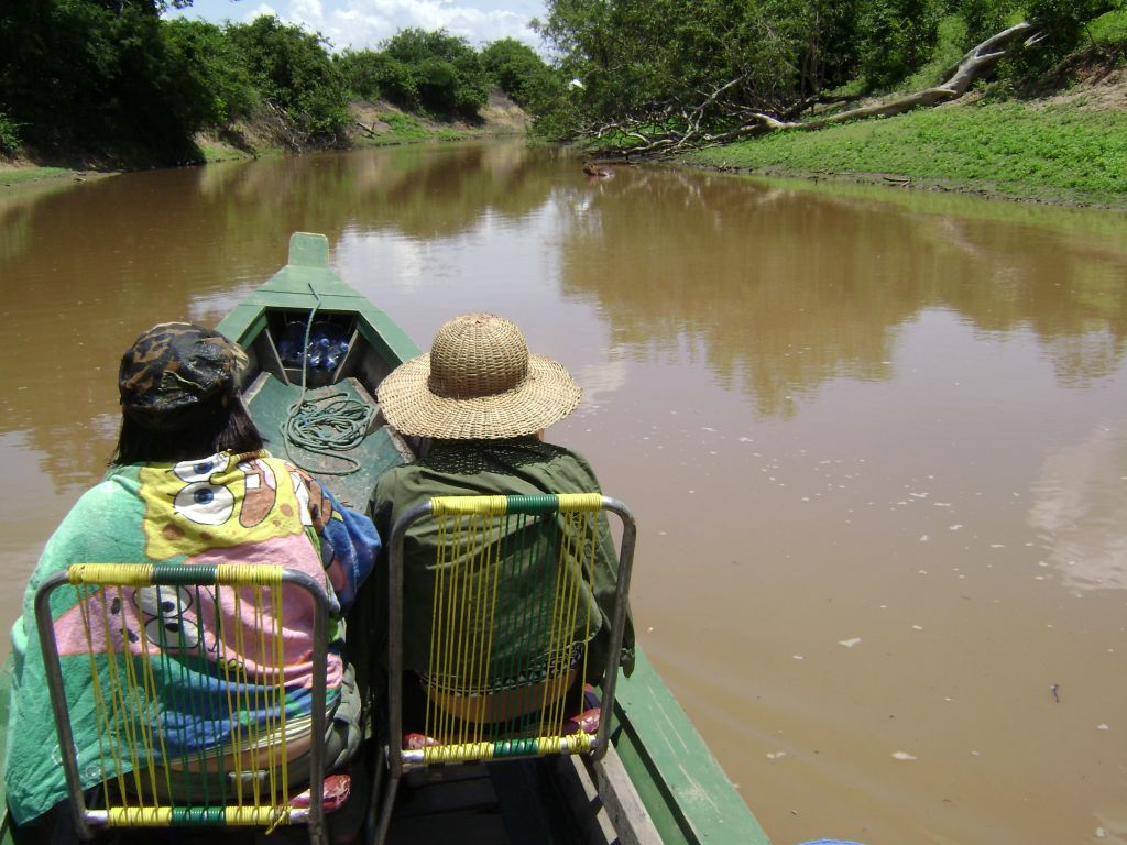 Canoe tour in Madidi Amazon
